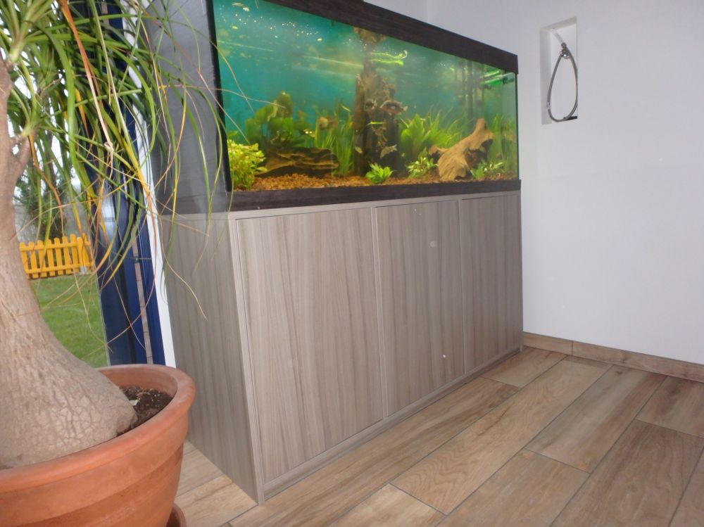 Am nagements int rieurs menuisier ebeniste renovation meuble sur mesure - Meuble aquarium sur mesure ...